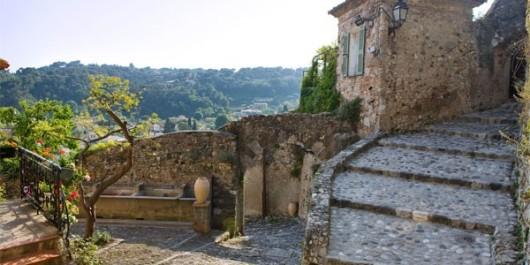 Биот - средневековый городок